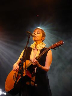Suzanne Vega by bird ghosts via Flickr