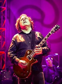 Gary Moore in 2010, by Vlad Archic via Flickr (Creative Commons license)
